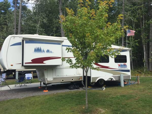Photo 2006 Cardinal Fifth Wheel by Forrest River - $16,000 (East Greenbush)