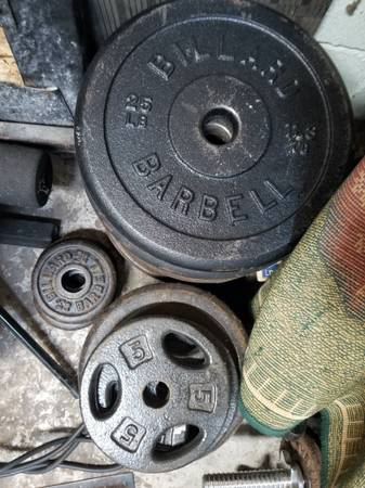 Photo 300lbs of Cast Iron weightlifting plates - $225