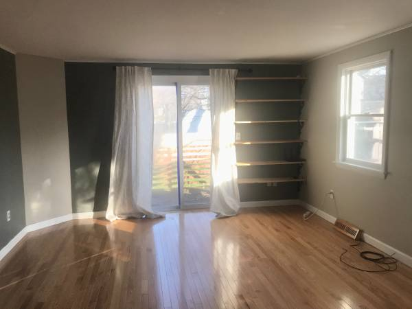 Photo Available NOW  2 bed, hardwood, quiet, bikepath, beaches (New North End)