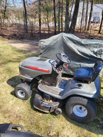 Photo Craftsman riding lawn mower - $450