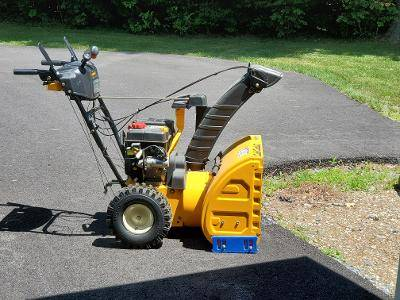 Photo Cub Cadet (24quot) 208cc Two-Stage Electric Start Snow Blower - $600 (Dorset)