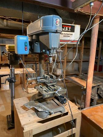 Photo Delta Rockwell Series 15-017 Bench Top Drill Press 12 HP - $200 (Manchester)