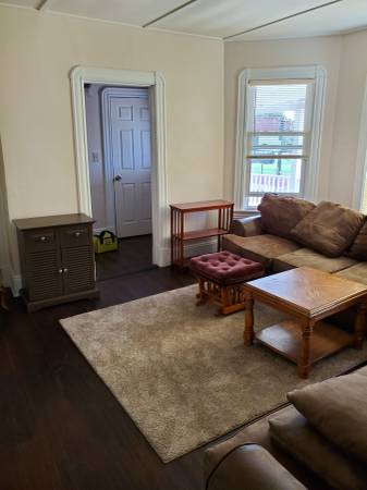 Photo Female looking for Female Roommate (Springfield)