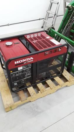 Photo HONDA 11KW Commercial Generator - $2,700 (Queensbury)