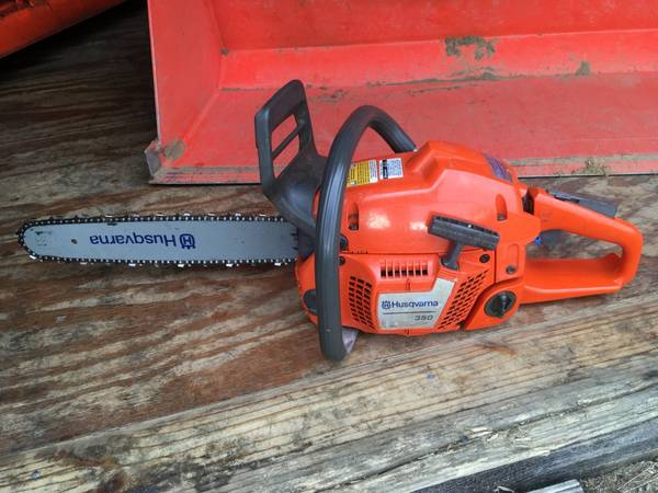 Photo Husqvarna 350 Chainsaw - $150 (Gansevoort, NY)