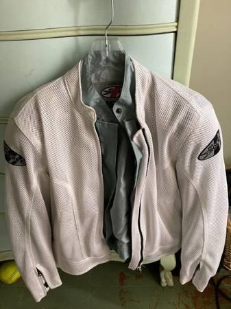 Photo Joe Rocket womens Motorcycle jacket - $30 (Granville)