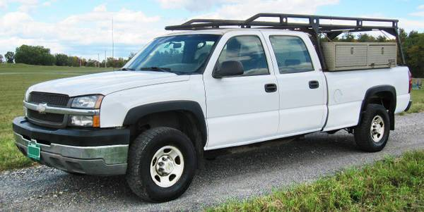 Photo One Owner 2004 Chevy Silverado 2500HD 2WD Crew Cab Work Truck - $6,500 (S. Lake Chlain)