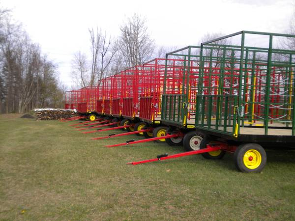Photo STOLTZFUS AND E-Z TRAIL SALE ON STEEL HAY RACK WAGONS - $2,900 (Ballston Spa, NY)