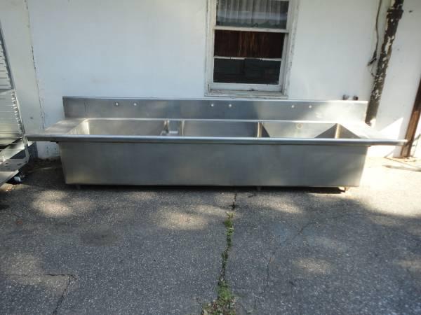 Photo Stainless Steel Commercial Sink - $650 (E Longmeadow)