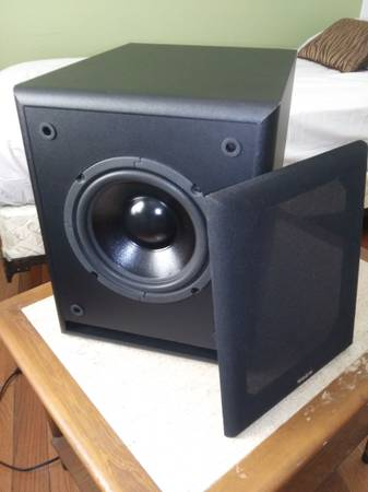 Photo Sweet VELODYNE CT series 8quot subwoofer - $115 (South Glens Falls)