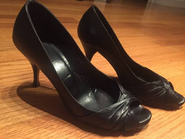 Photo Womens Butter Heeled Shoes Size 8 12 - $12 (Ballston Spa)