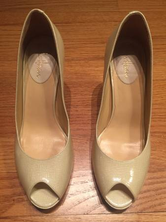 Photo Womens Cole Haan Heeled Shoes Size 8 12 - $8 (Ballston Spa)