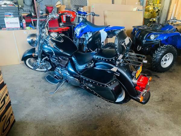 Photo super clean 2006 Suzuki blvd- wlots of extrasr - $2,950 (Tonys-TICONDEROGA,NY)