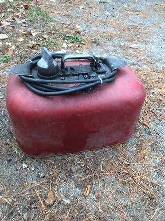 Photo vintage pressure gas tanks for outboards - $100 (chestertown)
