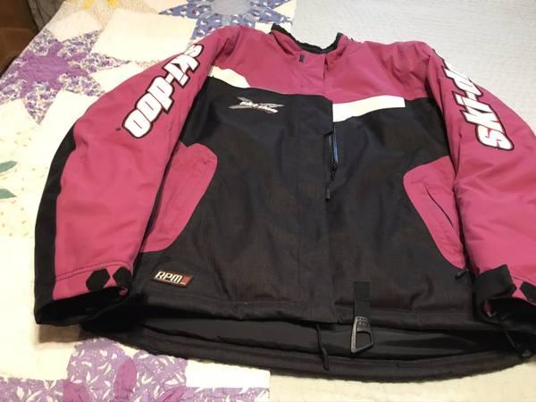 Photo womens large Ski-Doo snowmobile suit - $100 (Hadley)