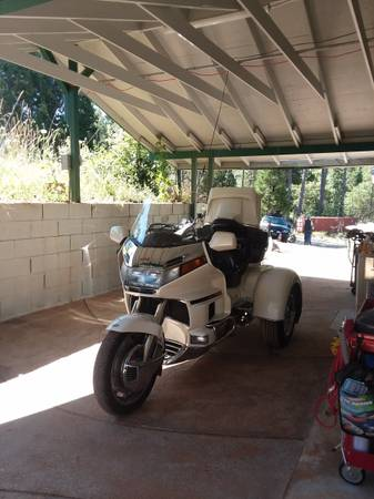 Photo 1995 honda goldwing 1500 trike - $17,000 (West Point)