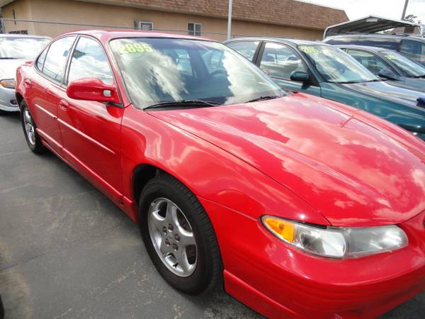 Photo 1998 PONTIAC GRAND PRIX BRIGHT RED - $2895 (Gridley)