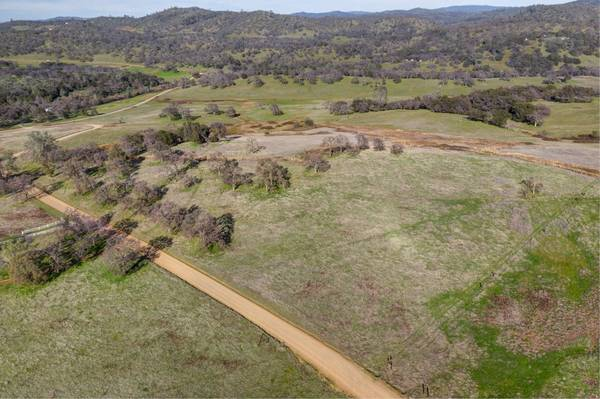 Photo 19 acres 100 usable, zoned AG, all day sun (Grass Valley)