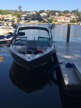 Photo 2004 Mastercraft X10 Wakeboard Edition - Low Hours - $42000 (Lake Tulloch, Copperopolis)