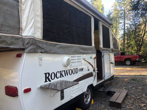 Photo 2010 Forest River Rockwood 276 High Wall pop up tent trailer - $6999 (Placerville)