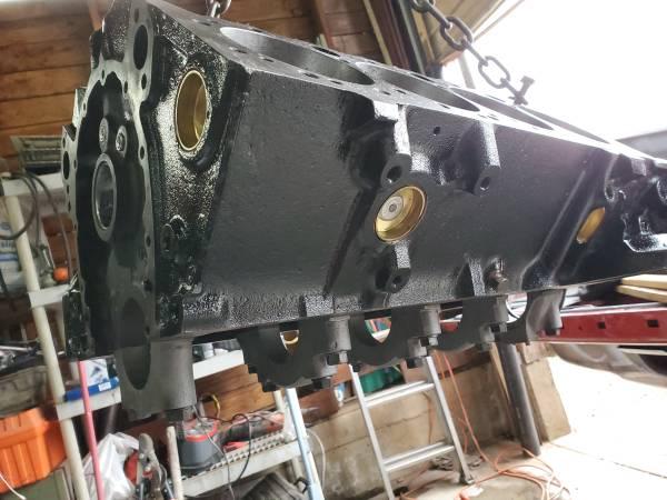 Photo 72 Chevelle Corvette Nova Camaro - - 350 engine block - - 4 bolt main - $575 (Apple Hill  Camino)