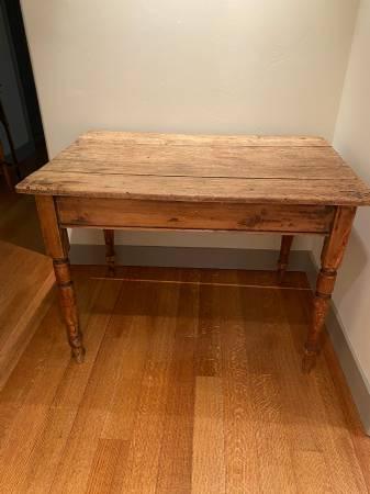 Photo Antique Farm Farmhouse Small Table with Drawer - $300 (NEVADA CITY)