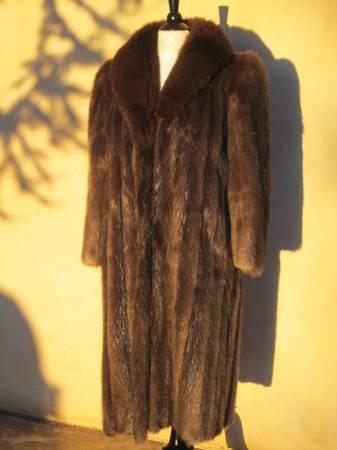 Photo Beaver Fur w Fox Collar Womens - $300 (El Dorado)