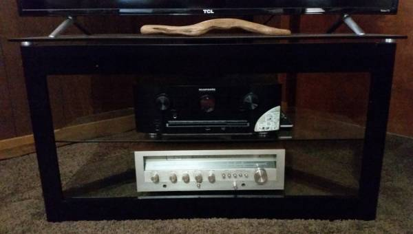 Photo Black  Glass Corner (or Wall) TV Stand for TVs up to 50 in. - $1 (El Dorado)