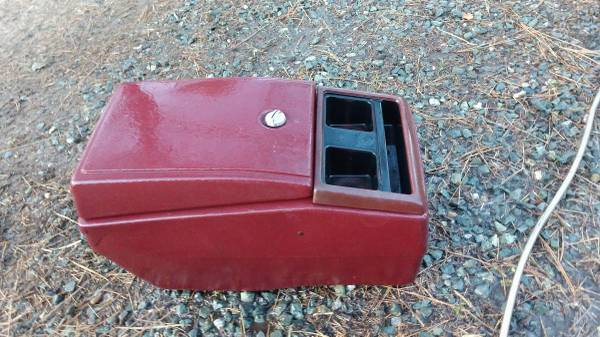 Photo Chevy Blazer Suburban console - $100 (Somerset)