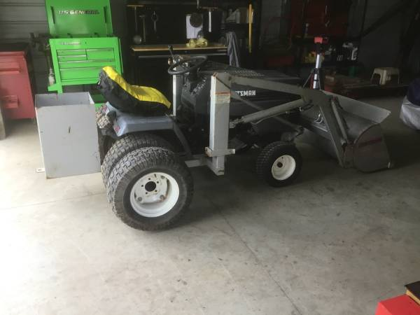 Photo Craftsman GT 6000 w loader - $3000