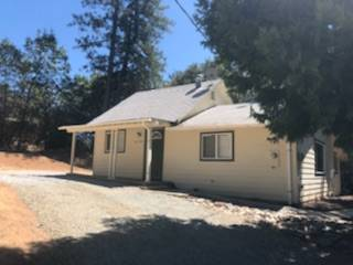 Photo Delightful 2 bdrm, 1 bth home on large lot in lower Pioneer (Pioneer)