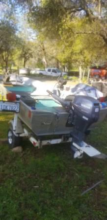 Photo Fishing boat 12 ft gregor - $1,800 (Auburn ca)
