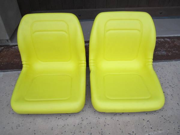 Photo JOHN DEERE GATOR 6X4 4X4 YELLOW SEATS SET OF TWO - $160 (Auburn)