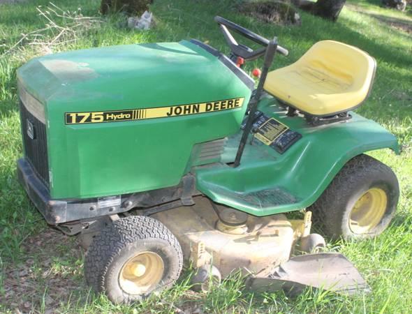 Photo JOHN DEERE Hydro 175 Lawn Tractor Mower - $600