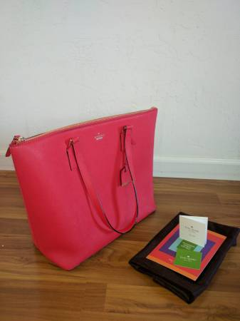 Photo KATE SPADE Large Red Tote REDUCED PRICE - $99 (Auburn)