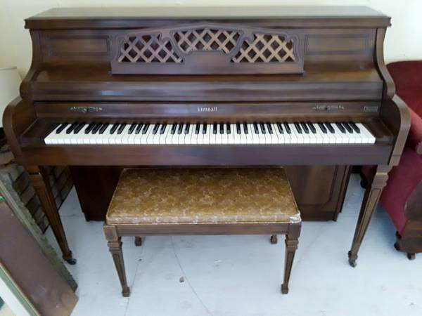 Photo Kimball Artist Console Piano Free To Good Home (Sutter Creek)