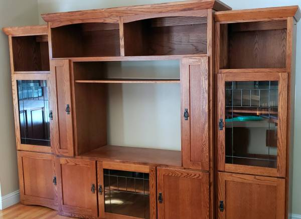 Photo MISSION STYLE ENTERTAINMENT CENTER - $425 (Penn Valley)