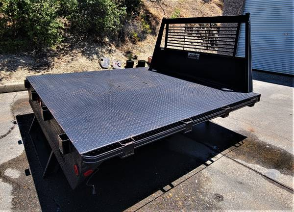 Photo New Old Stock Western Cadet 8 foot Flatbed with Diamond Plate Deck - $2,500 (Placerville, Ca 95619)