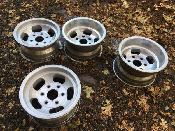 Photo Old school Chevy rat rod wheels - $200 (Rough And Ready)