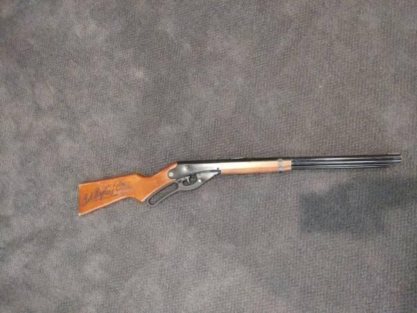 Photo Red Ryder BB Gun - $20 (Newcastle)