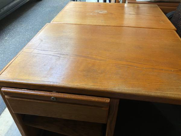 Photo Sturdy, 3 piece corner desk (Grass Valley)
