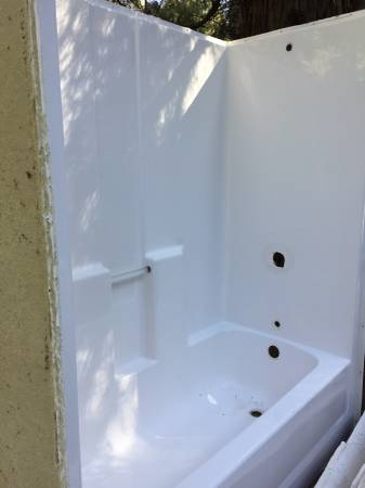 Photo Tub Shower Combo - $200 (Grass Valley)
