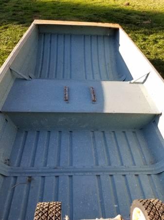 Valco 8 ft aluminum boat & elect. motor - $350 (Grass valley