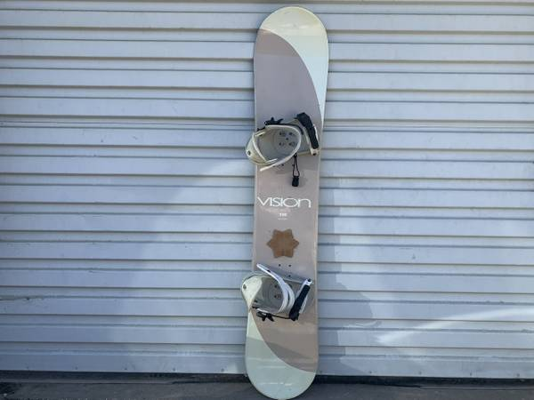 Photo Vision Snowboard with Liquid Bindings 150 cm - $75 (Grass Valley)