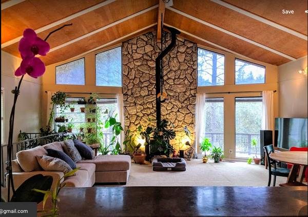 Photo Wolf Creek Master bedroom -gorgeous house (Grass valley)
