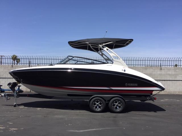 Photo 2021 Yamaha Boat 242 SE