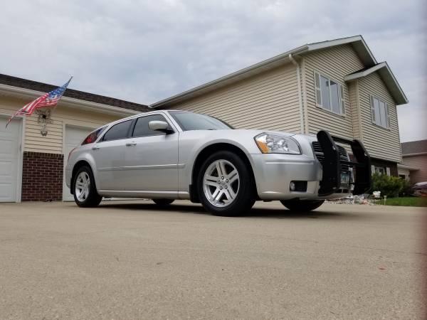 Photo 05 Dodge Magnum RT 5.7 Hemi - $7,950 (Grand Forks)