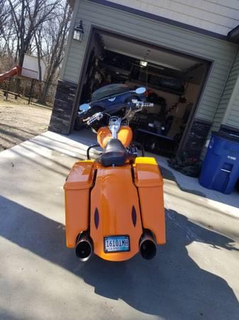 Photo 2006 Harley Davidson Road King Custom Bagger - $11,000 (Fargo)