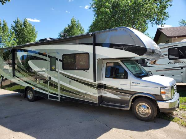 Photo 2015 Forest River Sunseeker 3050f - $64999 (Grand Forks)