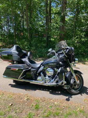 Photo 2015 Harley Ultra Limited Low - $15,500 (Brainerd)